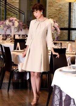 eb2a90c1864a7 親族の結婚式服装について│フォーマルワンピースドレスの選び方